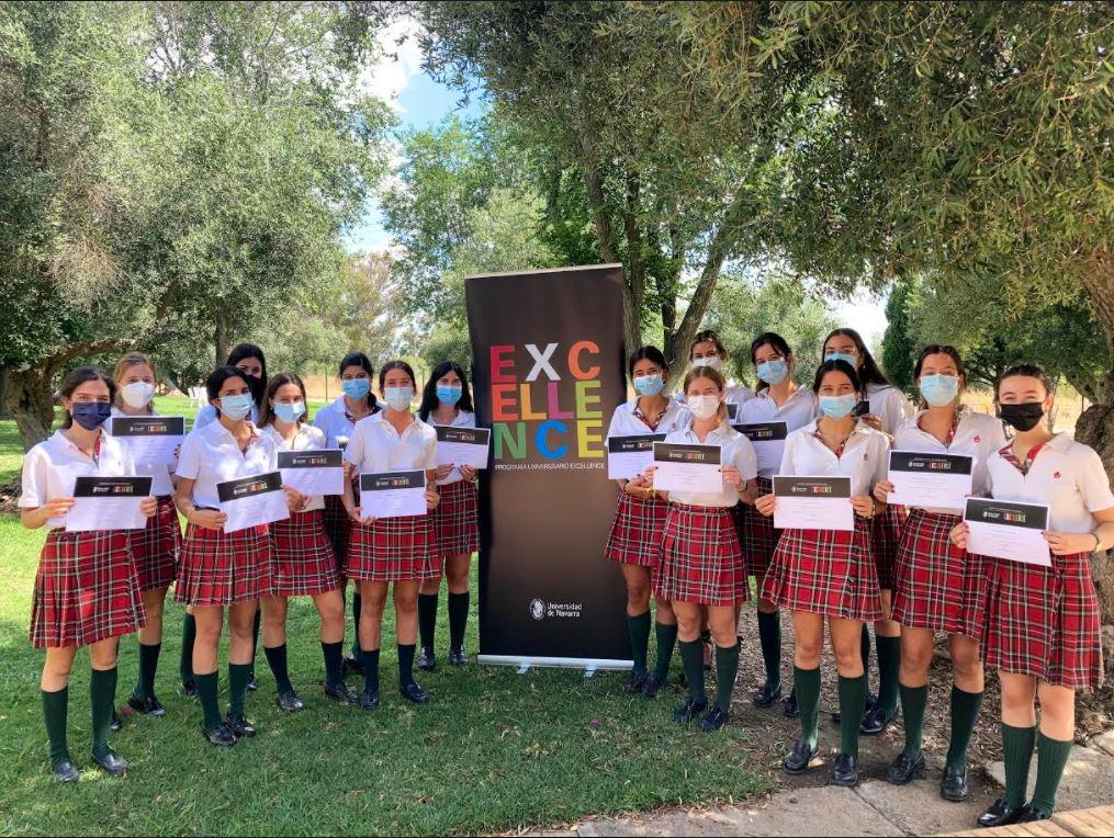 Alumnas del colegio Entreolivos participan en el programa Excellence de la Universidad de Navarra