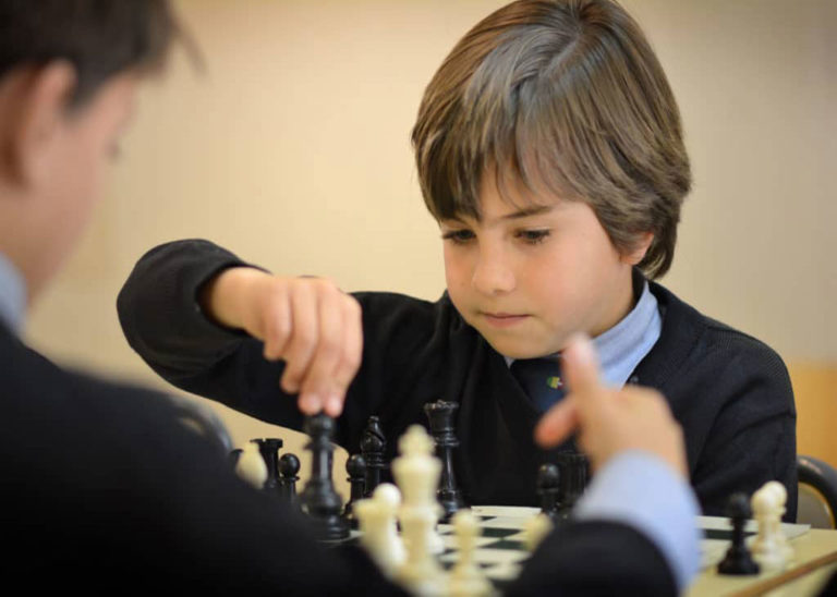 LETS-PLAY-CHESS_GALERIA-1