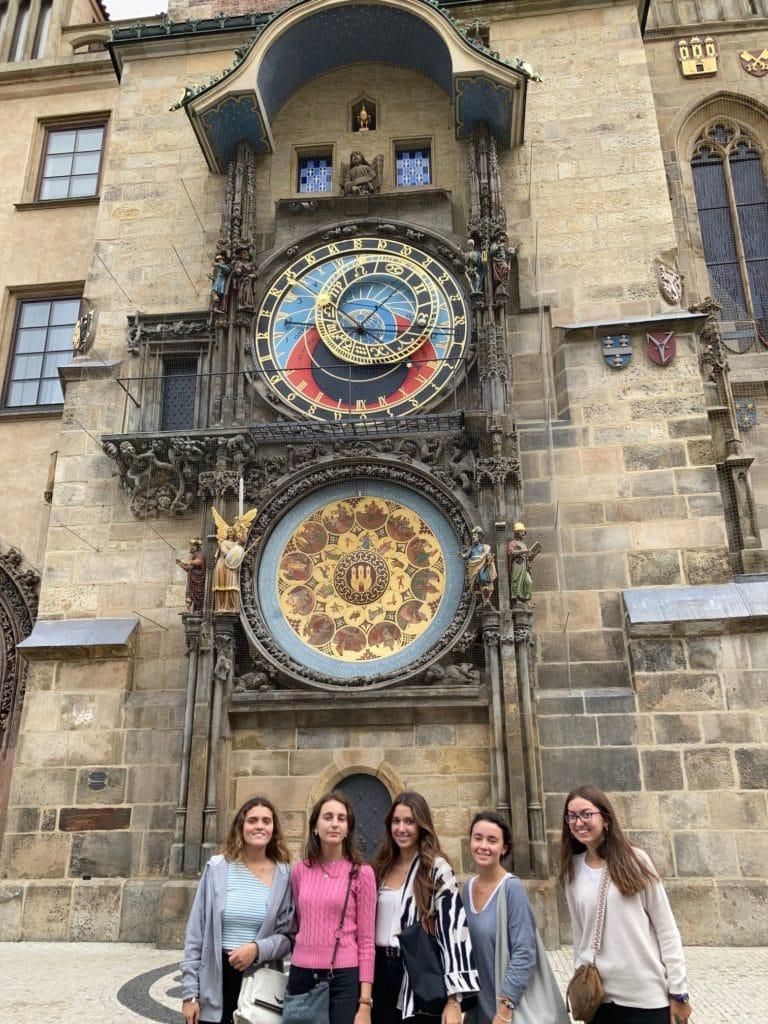 Alumnas del colegio Peñamayor ganan el concurso de Debate de la Nebrija y viajan a Praga